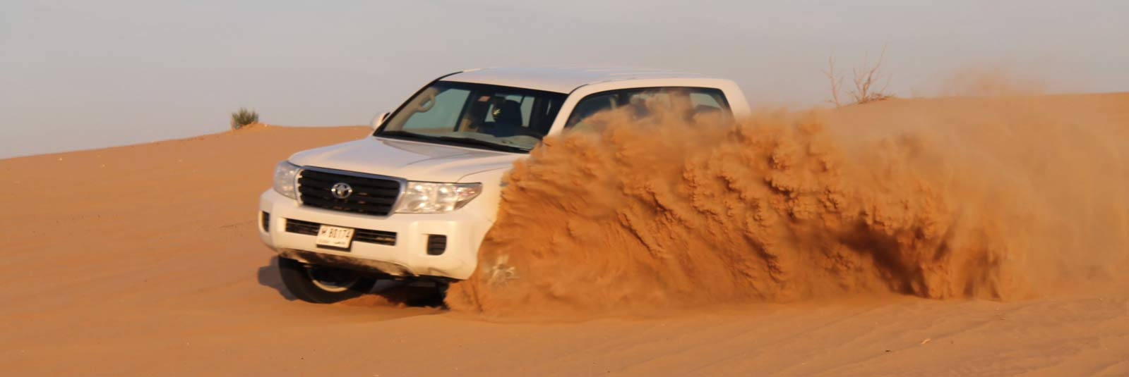 How To Bring Wonders in Your Trip By Enjoying Dune Bashing
