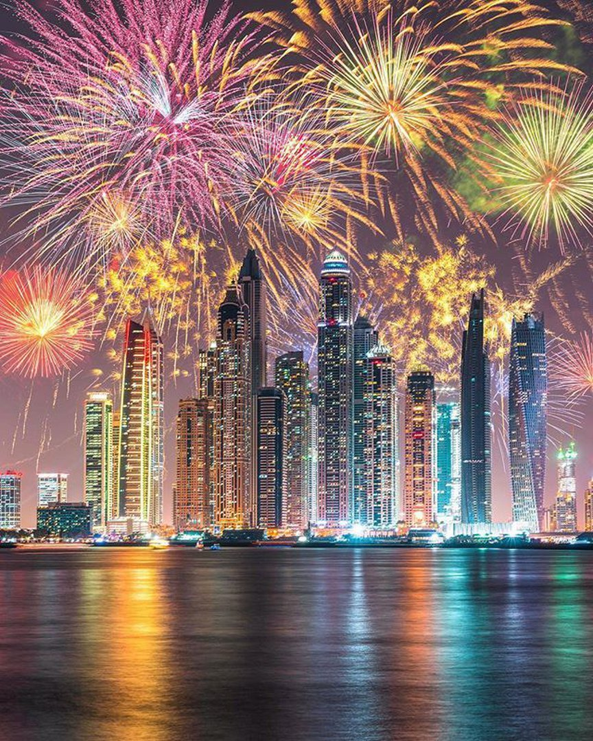 Why to travel to Dubai in holidays?