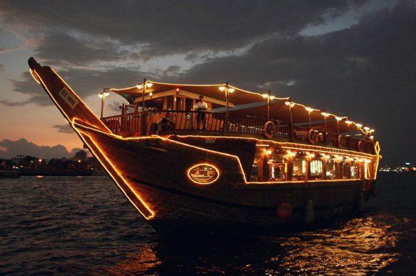 Experience the Dhow Cruise Dinner Dubai